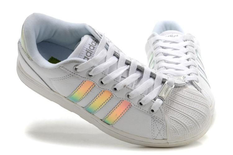 chaussure qui change de couleur au soleil